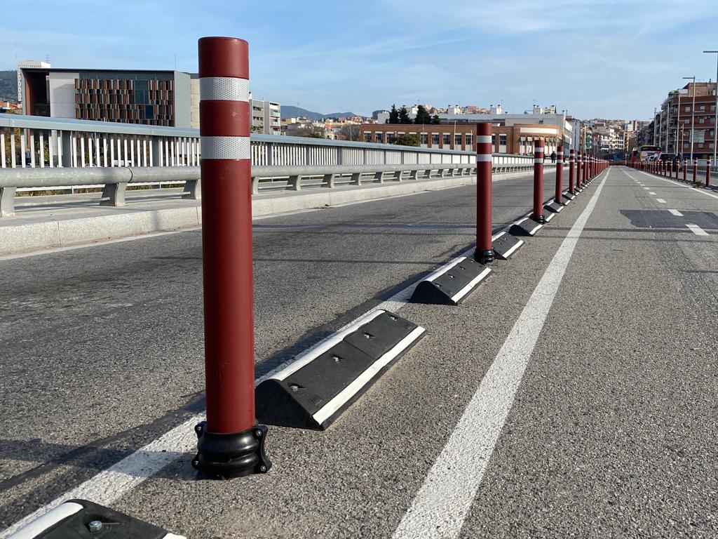 A-Flex bollards DT bike lanes for screwing in Santa Coloma
